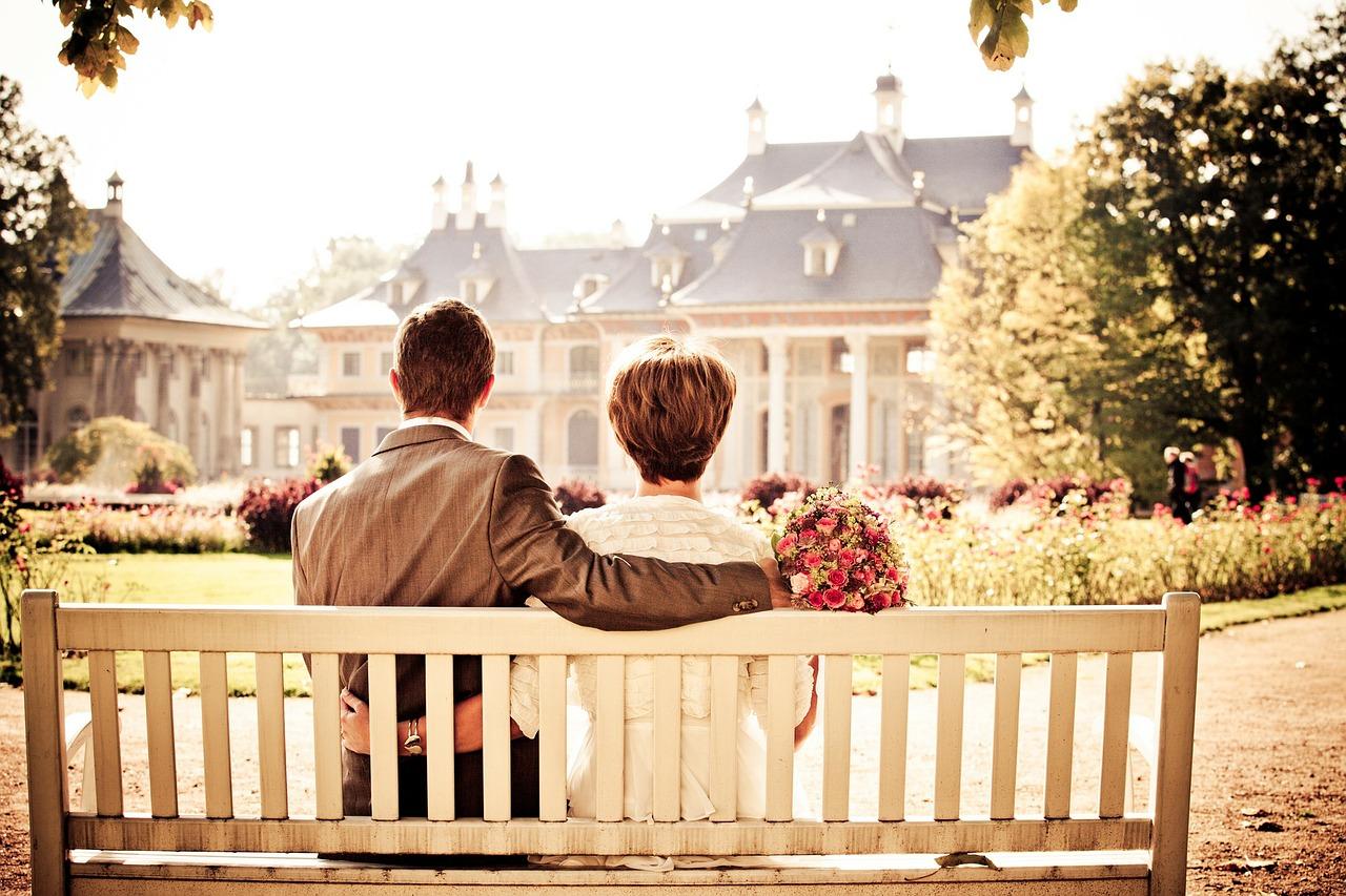 http-pixabay-com-en-couple-bride-love-wedding-bench-260899_ea96.jpg