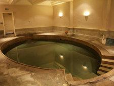 Basen przeznaczony do kąpieli leczniczych
