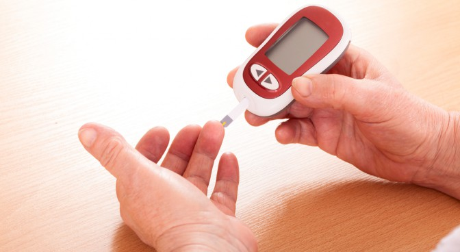 http-www-shutterstock-com-pl-pic-174503330-stock-photo-woman-makes-testing-high-blood-sugar-html-src-f5yr-8hothcfwqydqdoroa-1-93_f9b2.jpg