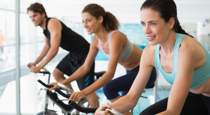 http-www-shutterstock-com-pl-pic-200337137-stock-photo-fit-people-in-a-spin-class-at-the-gym-html-src-zmoe3sdr58z626gqjb704g-1-4_a6bd.jpg