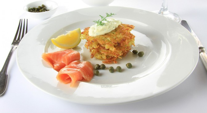 http-pixabay-com-en-food-salmon-potato-plate-white-50924_4c93.jpg