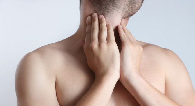 http-www-shutterstock-com-pl-pic-201399941-stock-photo-throat-pain-acute-pain-in-a-throat-at-the-young-men-html-src-ywyoyoaligj41fpuhevgxw-2-15_3d3d.jpg