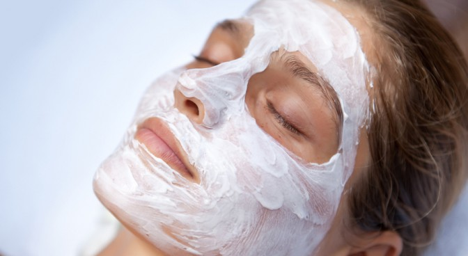http-www-shutterstock-com-pl-pic-98131553-stock-photo-beautiful-happy-woman-in-spa-making-face-mask-treatment-html-src-0dbilfpvlqpo2uowigptg-1-24_d8ce.jpg