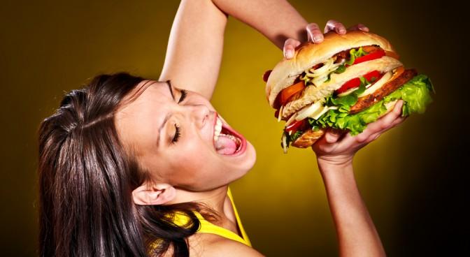 http-www-shutterstock-com-pl-pic-155584868-stock-photo-slim-woman-holding-hamburger-html-src-4-v4fjibe0pnzyo9nhizoa-1-2_866a.jpg