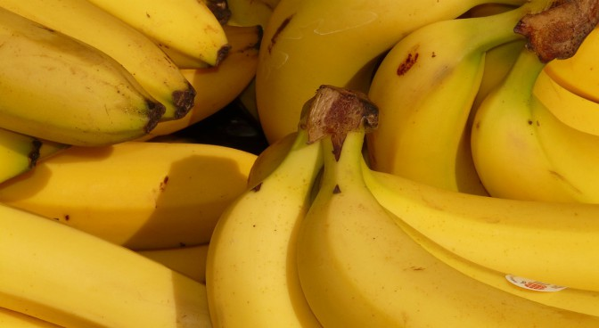 httppixabay-comenbanana-fruit-healthy-yellow-5734_b4ae.jpg