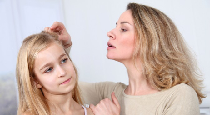 http-www-shutterstock-com-pic-69235240-stock-photo-mother-treating-daughter-s-hair-against-lice_8cc2.jpg