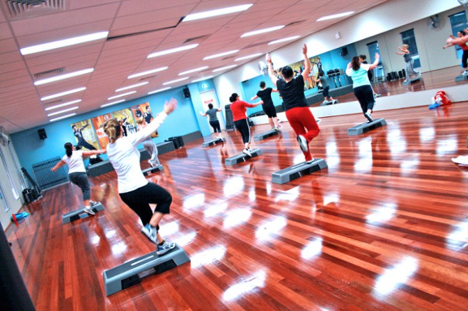step-group-fitness-class_f017.jpg