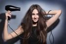 7 niekonwencjonalnych zastosowań suszarki do włosów