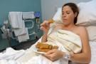 Kromka chleba i ogórek, czyli co można znaleźć na szpitalnych talerzach