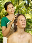 Masowanie skóry głowy - galeria